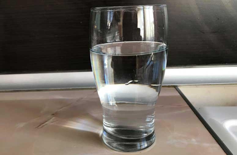 пиенето на вода