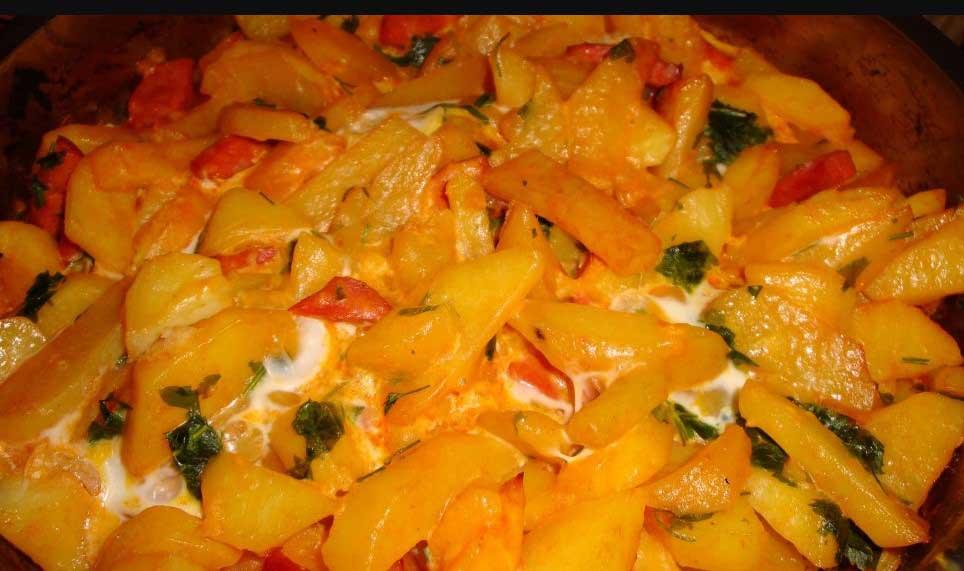 картофи и наденица