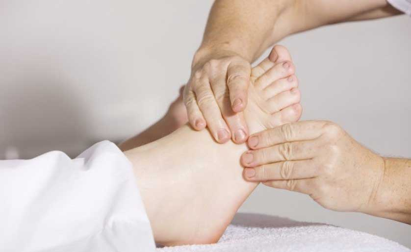 масаж на стъпалата