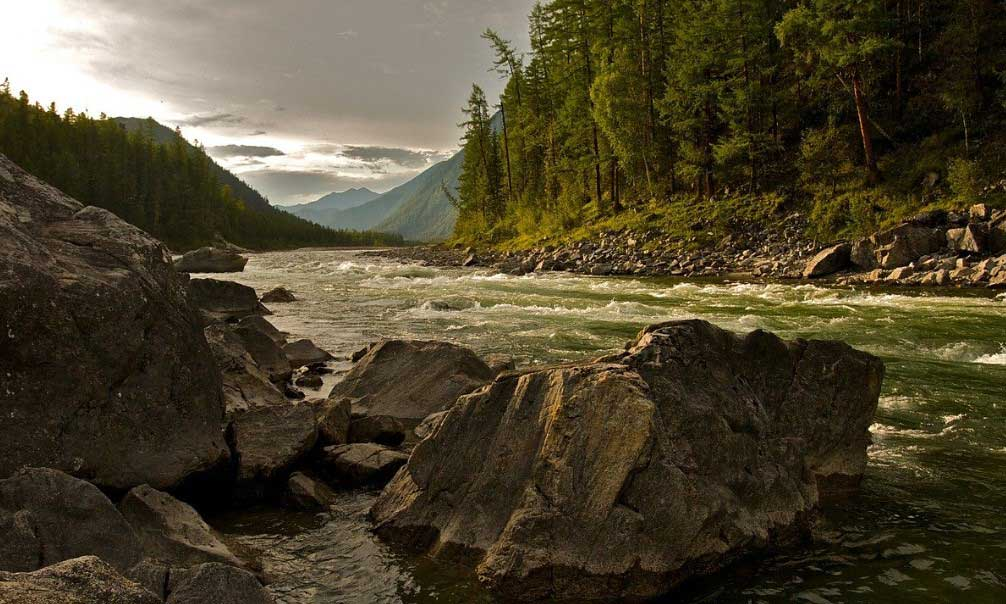 реката