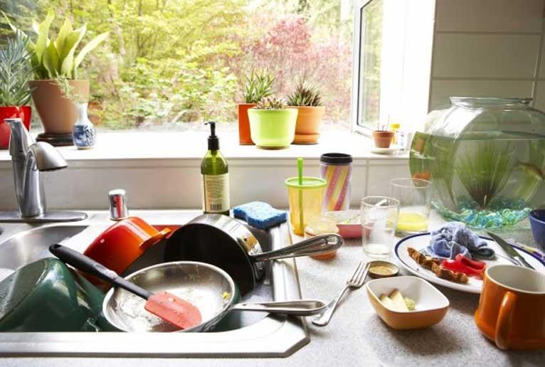 мръсните чинии
