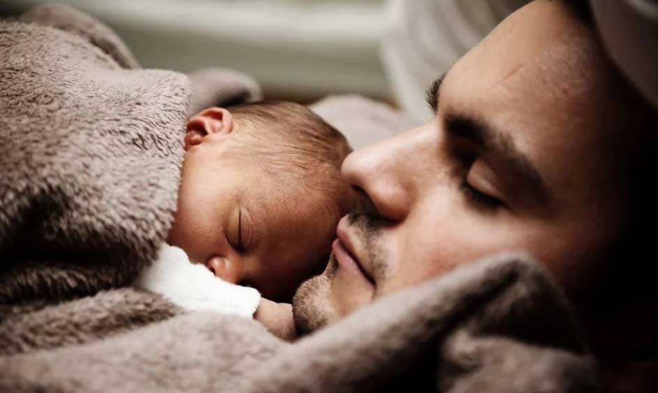 Баща си тръгнал с чуждо бебе